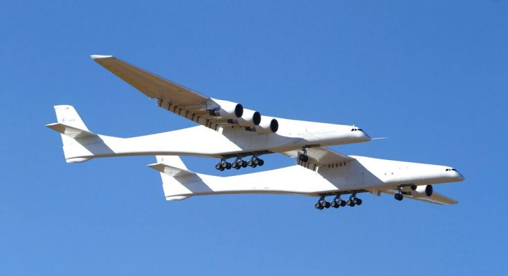 Stratolaunch completes second flight of world's largest plane
